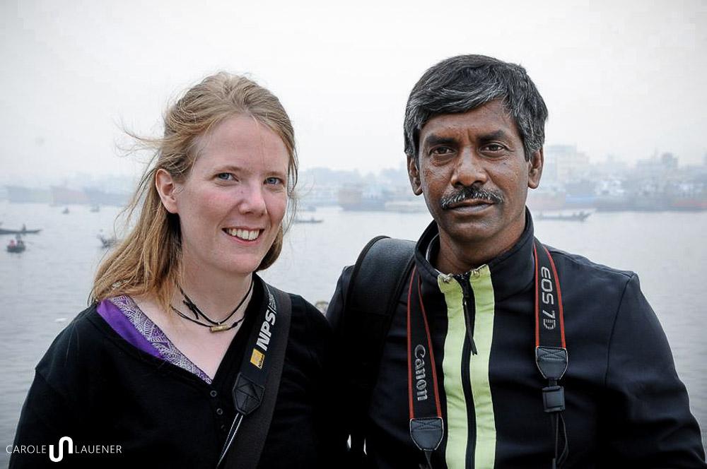 Belichtungstechnisch eine Herausforderung: Amran und ich oder Schwarz und Weiss. (Photo: Sanaul Haque)