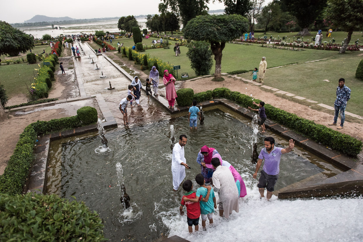 family picture park srinagar kashmir